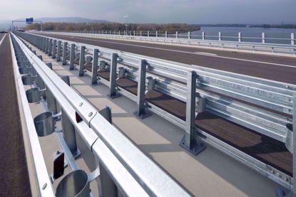 图片 GT W2-3.75mm 镀锌二波波纹板高速公路护栏板