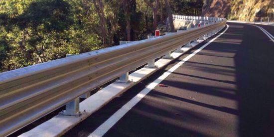 图片 GT W3-2.5mm 镀锌三波波纹板高速公路护栏板